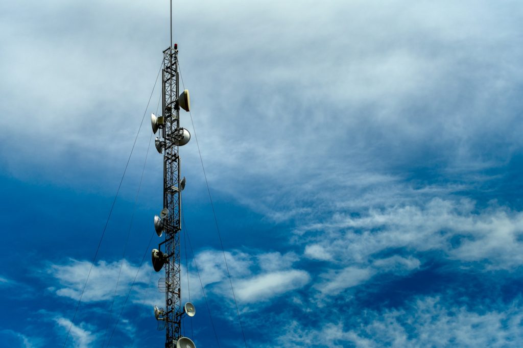 antenna tower 4992230 1920 1024x682 - 5G private networks, a European divide